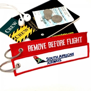 South African Airways REMOVE BEFORE FLIGHT attendant pilot luggage bag tag  keychain 9ad5337b0046